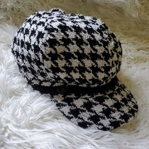 Nine West Houndstooth Newsboy Women's Hat